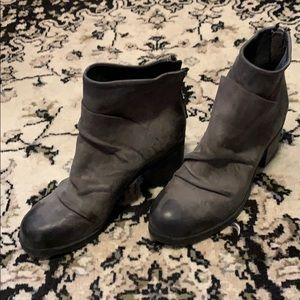 Gray Steve Madden boots-made in Italy